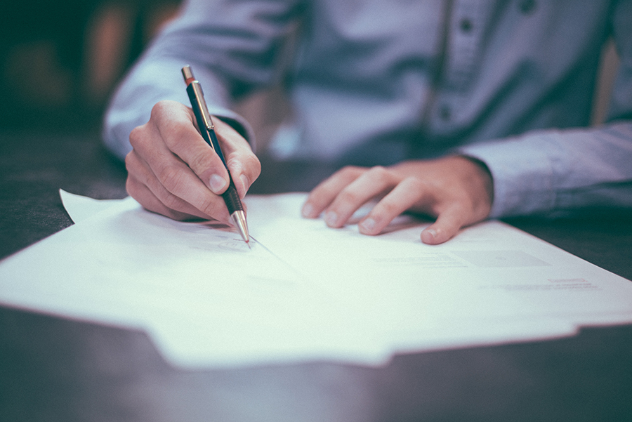 Подписание акта приема-передачи квартиры
